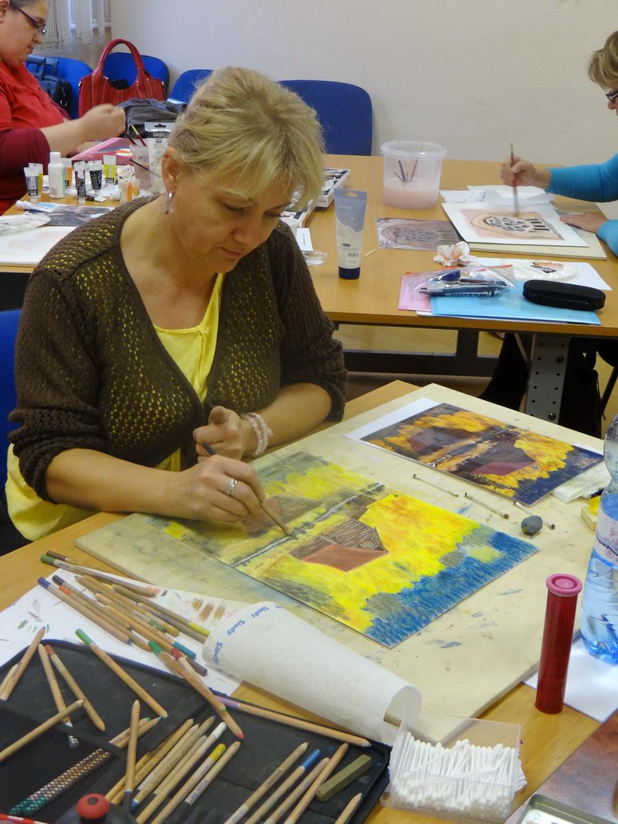 Készül a mű pasztel ceruzával